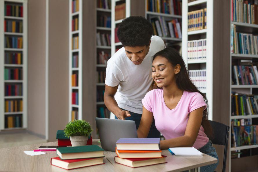IGCSE-Home-Tutors-Hiring-a-tutor-to-help-you