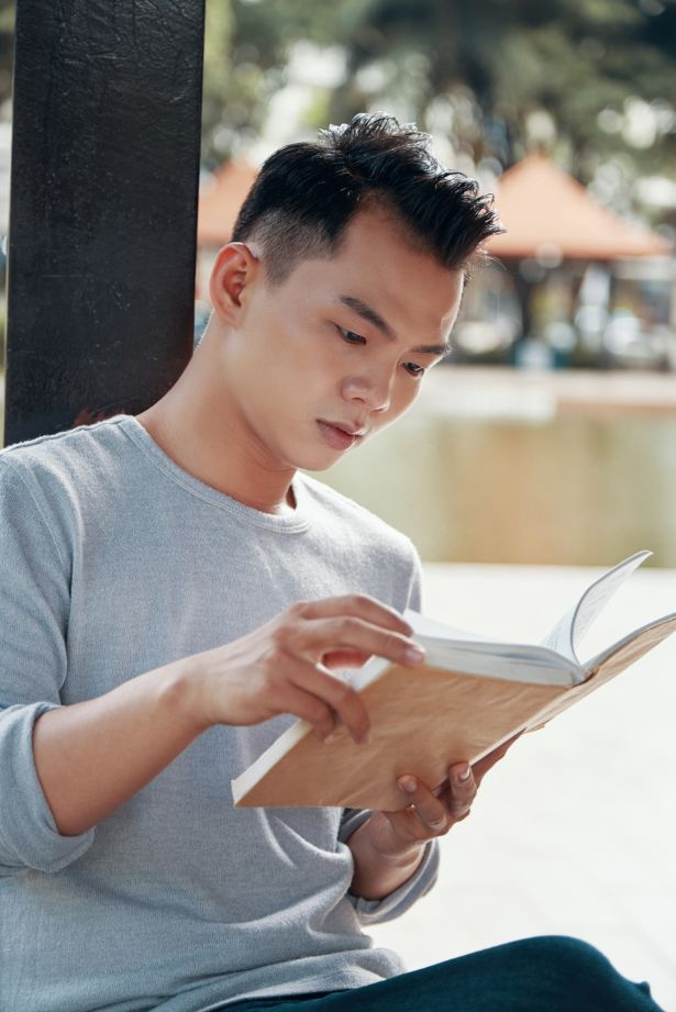 O-Level-Higher-Chinese-Tuition-reading-daily