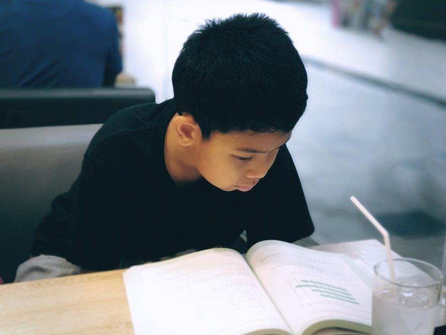 PSLE-Higher-Chinese-Tuition-Boy-studying-for-Higher-Chinese