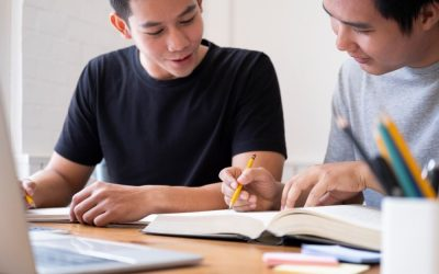 Private Home Tuition vs Tuition Centre – 8 Reasons To Choose Home Tutors